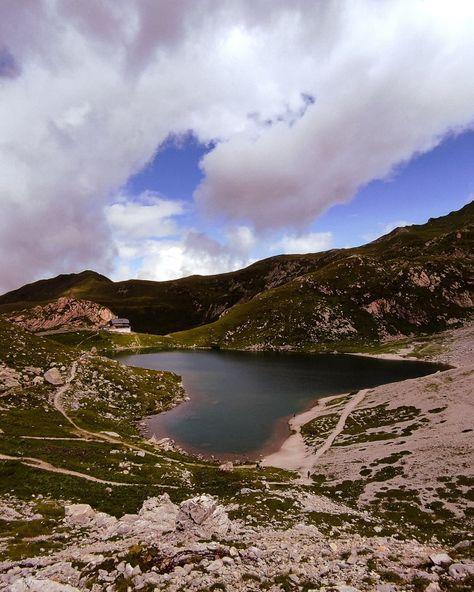 #mountains #mountainlovers #mountainlife #montagnefriulane #montagna #carnia #lago #lake #lagovolaia #friuliveneziagiulia #friuliveneziagiulia_cartoline #regionefvg #fvghighlights #igersfvg #somewherefvg #yallersitalia #yallersfriuliveneziagiulia #yallersfvg #clickfor_udine #clickfor_italia #lovefvg #friulilovers #friulidascoprire #windy #outdoors #outdoorphotography #fvg #fvglive #montagnachepassione #estate2021