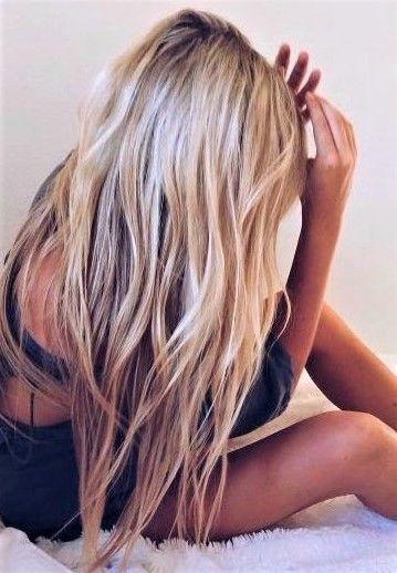 Coiffure De Cheveux Froisses Cheveux Coloration Blonde Cheveux Coiffure