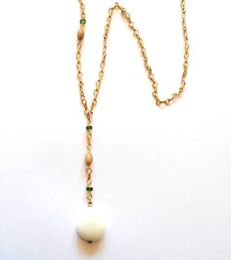 Lange weiße Y Goldkette / Green White Y Goldkette / von RawLuxGems