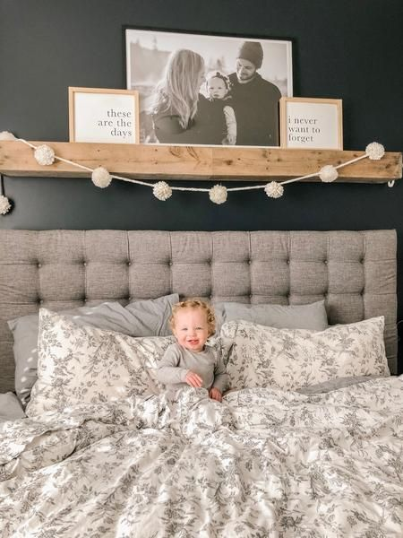 Master Bedroom Update {CHEAP + EASY} - Timber + Gray Design Co. Source by caileyschlenker decor ideas rustic bedroom Farmhouse Master Bedroom, Master Bedroom Makeover, Master Bedroom Design, Cozy Bedroom, Bedroom Rustic, Bedroom Black, Bedroom Modern, Master Master, Contemporary Bedroom