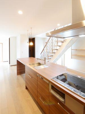 新築施工例13 名古屋の注文住宅 タチ基ホーム 2020 注文住宅 キッチン 二世帯住宅