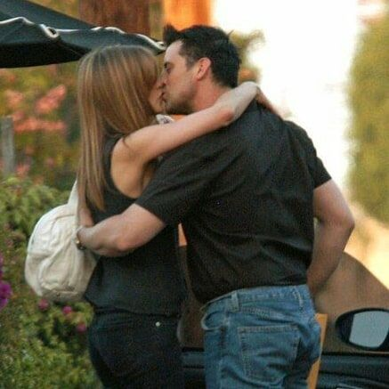 On Instagram Matt Leblanc And Jennifer Aniston Kiss Caught By