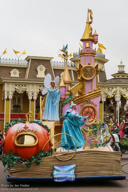 Dlp April 2012 Disney Magic On Parade Disney Parade Disneyland Disney Magic
