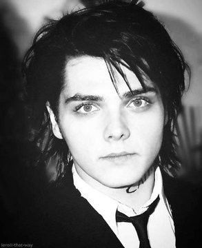 Pin by Jennifer Sleeman Stanko on Musik | Gerard way, My chemical romance,  Gerard