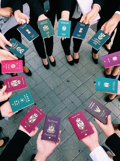 An international flight attendant and her crew. An international flight attendant and her crew. Airplane Photography, Travel Photography, Passport Online, Flight Attendant Life, International Flights, International Friends, Future Jobs, New Travel, Travel Deals