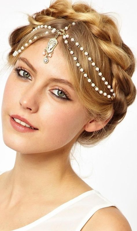boho hippie hairstyles - http://www.boomerinas.com/2012/12/13/hippie-hairstyles-for-weddings-long-or-short-hair/