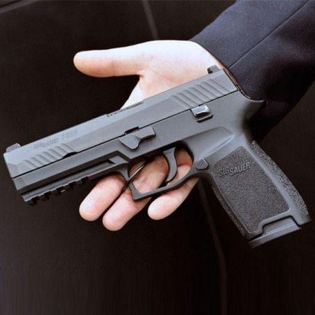 Osnovano Na Realnyh Sobytiyah 2017 Smotret Onlajn V Horoshem Kachestve Besplatno Hand Guns