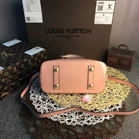 shoulderbag LV Louis Vuitton Alma BB #lv...
