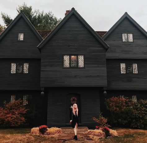 Salem, Massachusetts: The Perfect Spooky Getaway — Dixie Hartzog Film Salem Witch Museum, Salem Witch House, Hawthorne Hotel, House Of Seven Gables, Salem Mass, Essex Street, The Perfect Getaway, Most Haunted, Massachusetts