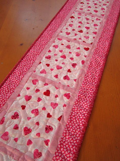 Quilted Table Runner Valentine's