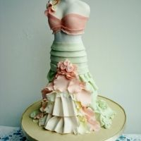 beautiful dress cake