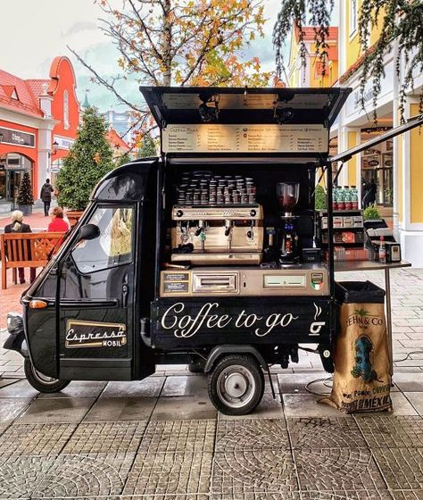 Espresso Mobil, Vienna 📷 love this retro coffee truck Coffee Van, Coffee To Go, Best Coffee, Food Trucks, Coffee Food Truck, Mobile Coffee Shop, Mobile Coffee Cart, Coffee Trailer, Mobile Cafe