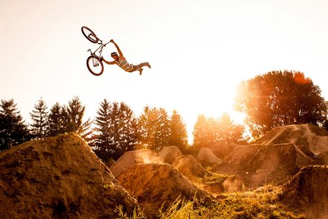 #DirtJump - Photographer: Christoph Laue Athlete: Yannick Romswinckel Location: Zwingenberg, Germany