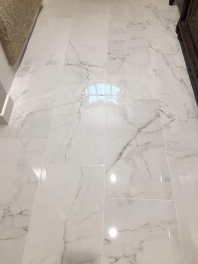 Msi Carrara 6 In X 24 In Glazed Porcelain Floor And Wall Tile 14 Sq Ft Case Nhdcarwhi6x24 In 2020 Porcelain Flooring Marble Bathroom Floor Marble Tile Bathroom