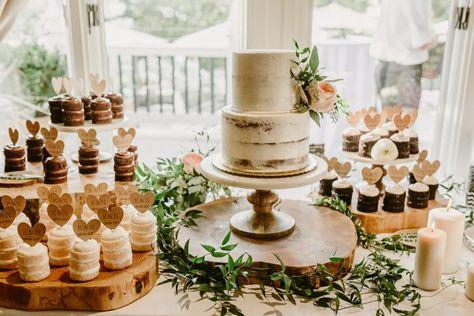 This Heartfelt Roche Harbor Resort Wedding Is Pure Enchantment Hochzeitsdesserts Kinder Auf Der Hochzeit Hochzeitstorte