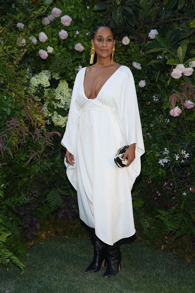 Tracee Ellis Ross Photos - Tracee Ellis Ross attends the Valentino Haute Couture Fall Winter 2018/2019 show as part of Paris Fashion Week on July 4, 2018 in Paris, France. - Valentino: Front Row - Paris Fashion Week - Haute Couture Fall Winter 2018/2019