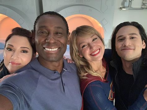 """Supergirl"" Cast Back at Work Filming for Season 5"