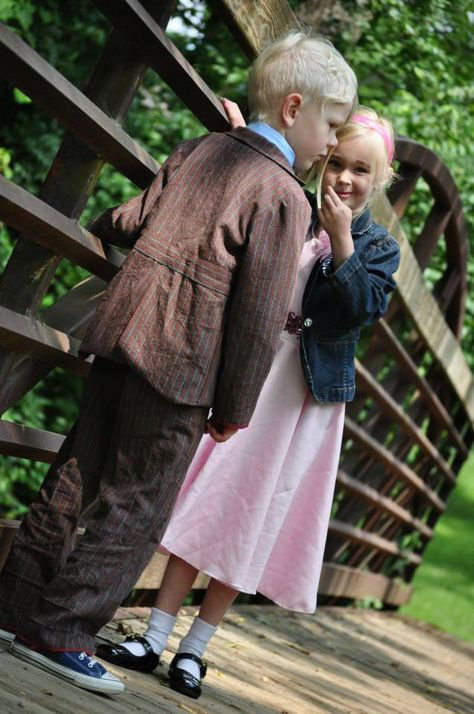 Tenth Doctor and Rose Tyler cosplay.  parenting win.