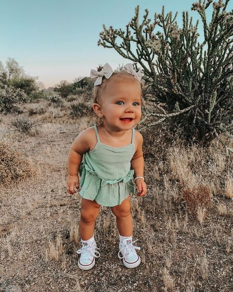 Cute Little Baby, Baby Kind, Little Babies, Cute Babies, Cute Baby Girl Outfits, Cute Baby Clothes, Kids Outfits, Stylish Baby Girls, Stylish Kids