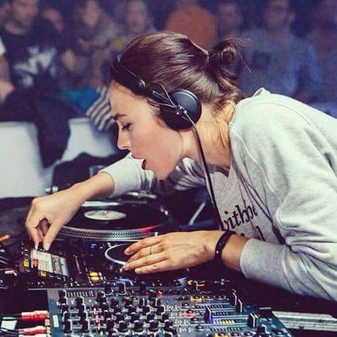 Nina Kraviz Music