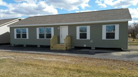 5 12 Roof Pitch Commodore Mobile Manufactured Home In Belleville Mi Via Mhvillage Com Manufactured Home Mobile Homes For Sale Ideal Home