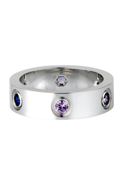 Silver and amethyst as a beautiful, non - traditional engagement ring? Yes, please <3 It might just be pretty enough to make me forget about bot getting my dream hit air balloon proposal ;-)