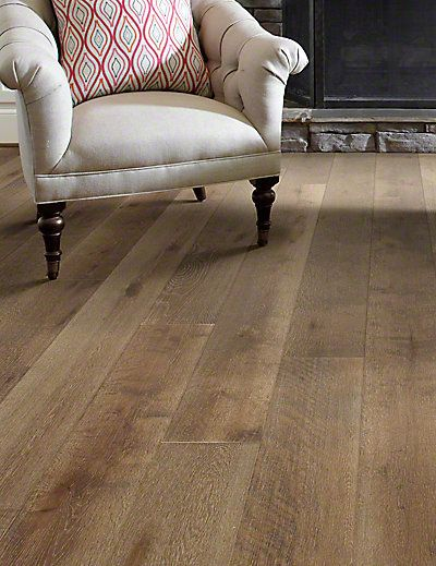 Virginia Vintage Historique Oak 7 1 2 Yorktown Hardwood Hardwood Floor Colors Engineered Oak Flooring Living Room Hardwood Floors