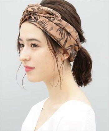 ヘアバンドを使ったヘアスタイルがかわいい 長さ別スタイル集 ヘア