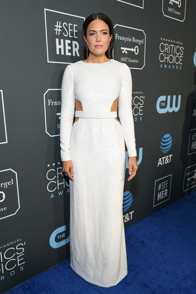 Mandy Moore attends the 24th annual Critics' Choice Awards at Barker Hangar.