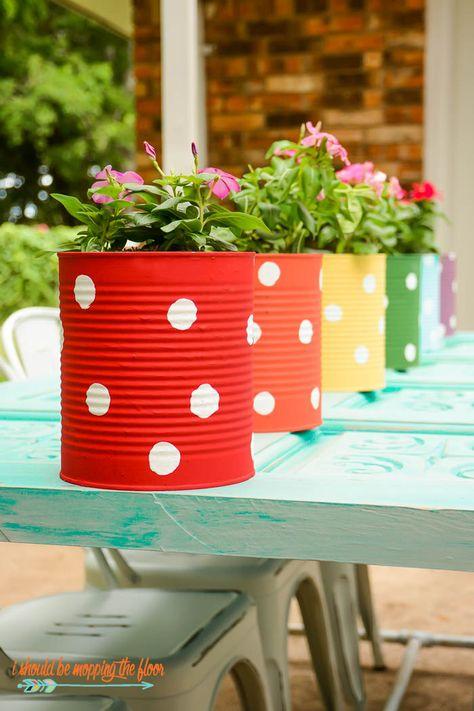Tin can flower garden Tin can flower garden, # tin can # flower garden This . # tin can # flower garden Backyard Fences, Garden Fencing, Pool Fence, Design Jardin, Garden Design, Fence Design, Wall Design, Tin Can Crafts, Diy Crafts