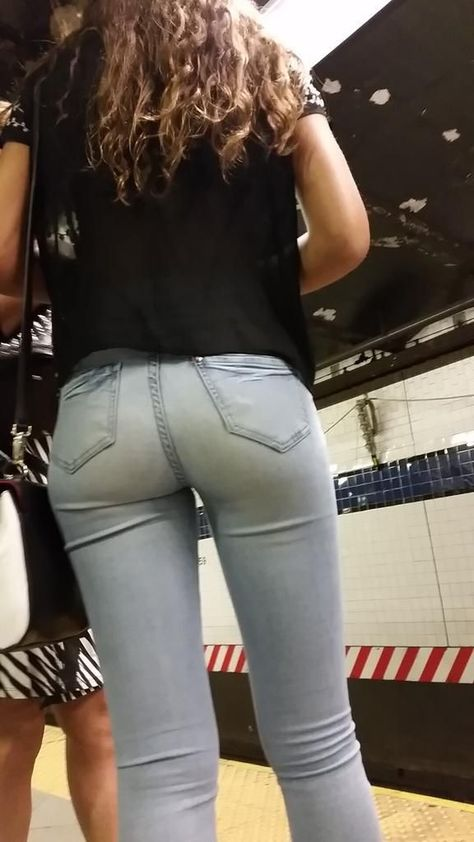 All in the jeans - Photo