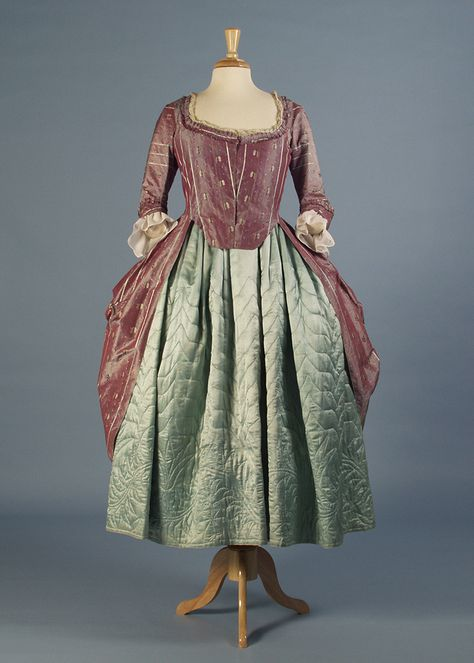 Robe à l'anglaise and quilted petticoat, 1770s | INSIDE OUT