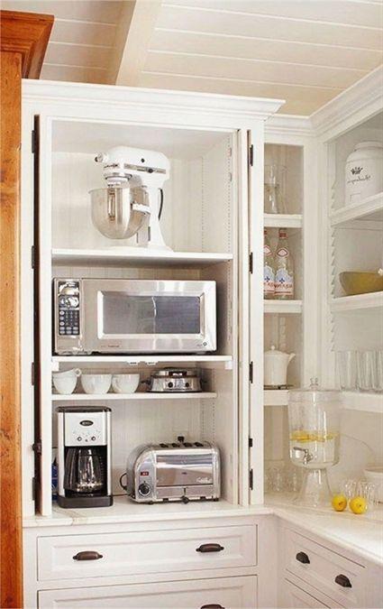 Mehr Als 30 Moglichkeiten Einen Kleinen Kaffeebereich In Ihrer Kuche Einzurichten Auch In Einer Kleinen Coffee Bars In Kitchen Kitchen Design Small Built In Coffee Maker
