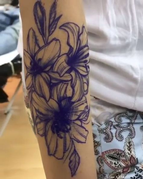Lily Tattoo- Lily Tattoo  Lily Tattoo  #Lily #tattoo  -#RibTattoosformenhalfsleeves #RibTattoosformenilove #RibTattoosformenideas #RibTattoosformenwords #tribalRibTattoosformen