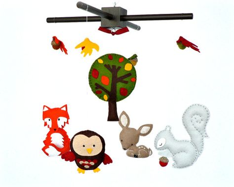 READY NOW -Woodland mobile - Forest mobile - baby crib mobile - deer - fox - owl - squirrel - acorns - nursery decor