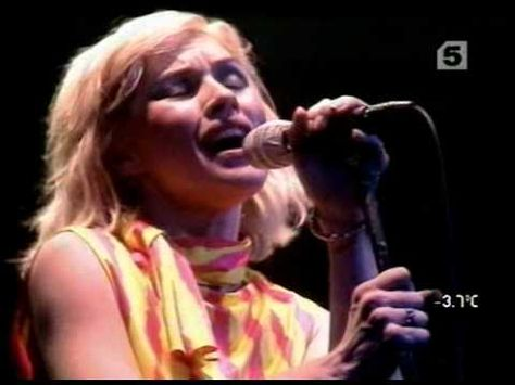 Blondie Live At The Apollo Theatre Glasgow 1979 1 28 Slow Motion 4 38 Shayla 7 50 Union City Blue 12 07 A Live At The Apollo Best Of Blondie Blondie Atomic