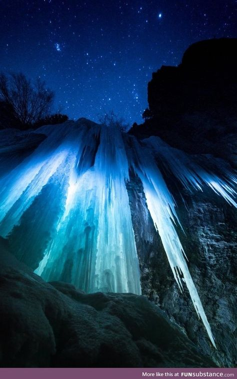 The ice caves of Rifle Mountain Park Colorado landscape Nature Photos Beautiful World, Beautiful Places, Cool Pictures, Beautiful Pictures, Mountain Park, Wow Art, Adventure Is Out There, Amazing Nature, Belle Photo