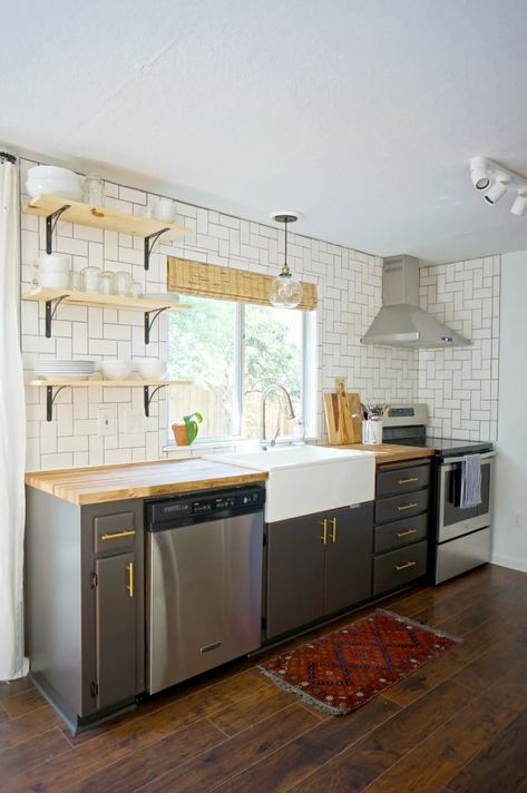 20 Stunning Examples That Show How to Make a Galley Kitchen Work – diy kitchen decor on a budget Galley Kitchen Design, Small Galley Kitchens, Galley Kitchen Remodel, Narrow Kitchen, Kitchen On A Budget, Dark Kitchen Cabinets, Kitchen Island, Kitchen Remodeling, Galley Kitchen Layouts