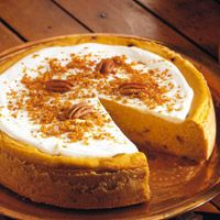 OMG! Can't quit eating this Pumpkin-Praline Cheesecake, crunchy Praline bits throughout with a browned butter crust. DroOL~.
