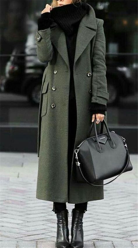 Chic And Classic Winter Outfits You Need To Copy Now; Winter Outfits; Outfits; Winter Coat; Leather Coat; Trench Coat; Faux Fur Coat; Winter Jacket; Winter Sweater #winteroutfit #outfits #trenchcoat #fauxfurcoat #winterjacket #wintersweater #leathercoat Green Trench Coat, Trench Coat Outfit, Winter Trench Coat, Long Winter Coats, Long Wool Coat, Trench Coats, Fall Coats, Camel Coat, Long Coats