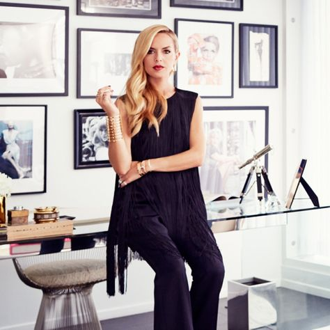 Rachel Zoe began here career as a very successful stylist. Business Portrait, Business Headshots, Business Photos, Corporate Headshots, Rachel Zoe, Ideas Para Photoshoot, Photoshoot Inspiration, Style Inspiration, Minecraft Decoration