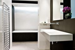 Badezimmer Heller Boden Hause Deko Ideen Decoranddesign Badezimmerhellerboden Badezimmerhellerbodendunklewand Badezim Haus Deko Dunkle Wand Badezimmer