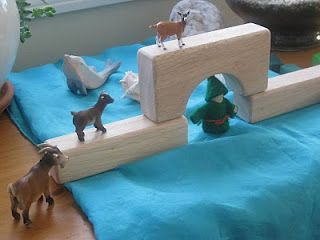 set the scene for billy goats gruff, what fun for the kiddos to get the chance to act out their favorite stories, this could be done with so many books :)