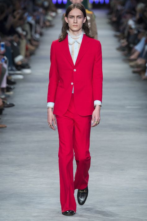 Gucci   fashion   Pinterest   Мода, Подиумы и Тенденции a32cd3f8c41