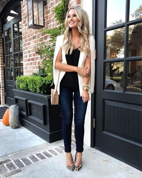 Cute Casual Spring Outfits 2020: Trends  Pretty Looks | Image © Champagne  Chanel | Are you looking for spring outfits women inspiration? Or perhaps you're after spring outfits for church, spring outfits for work or spring outfits classy? Whatever it is that you're after, you'll find the best spring outfits 2020 women and spring fashion in this blog post! #springoutfits #springoutfitswomen #springoutfits2020 #springfashion #churchoutfits #workoutfits #businesscasualoutfits