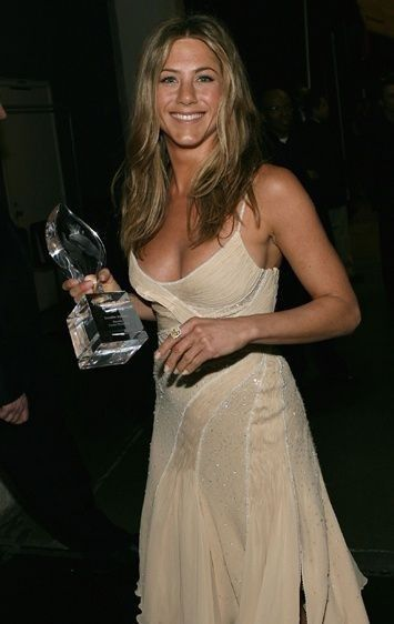 Jennifer Aniston In 2021 Jennifer Aniston Hot Jennifer Aniston Pictures Jennifer Aniston 90s