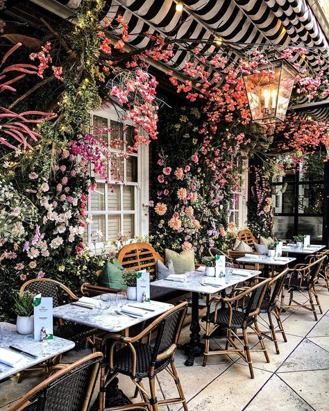 Where We're Dreaming of Dining Al Fresco - Chairish Blog