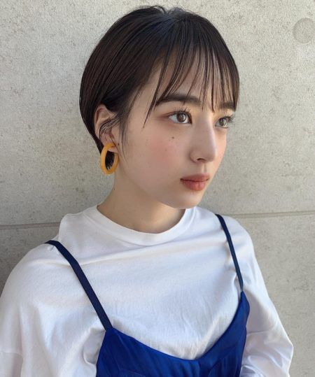 ショート 髪の量が多い人に似合う髪型 ヘアスタイル15選 ヘアスタイル 韓国のショートヘア ショートボブのヘア
