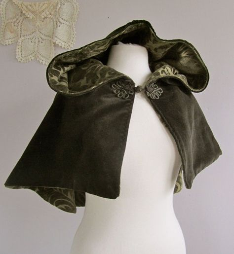 Victorian Velvet Hooded Capelet by lorigami on Etsy