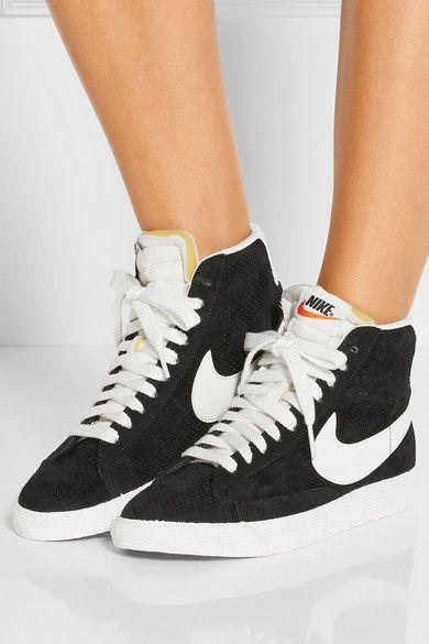 Nike Blazer Salut Millésime Suède Photo Noir Et Blanc De Lactrice Dans Locéan